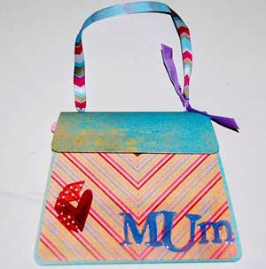 mum mini album cover with ribbon handle